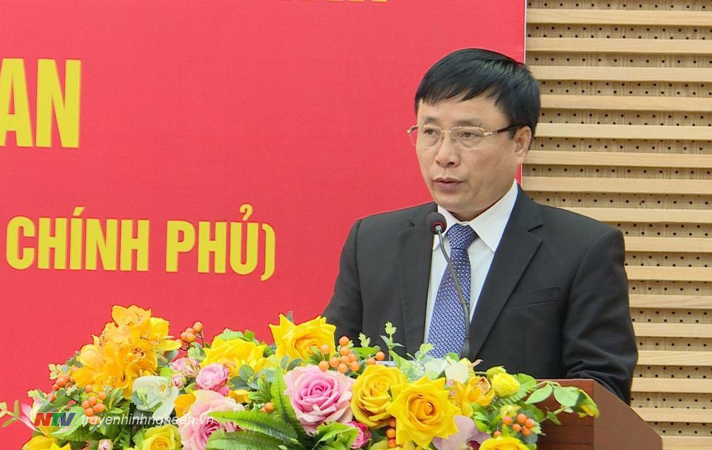 Phó Chủ tịch UBND tỉnh Bùi Đình Long công bố Quyết định