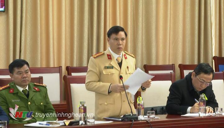 Thượng tá Lê Thanh Nghị - Trưởng Phòng CSGT Công an tỉnh nêu ý kiến tại hội nghị.