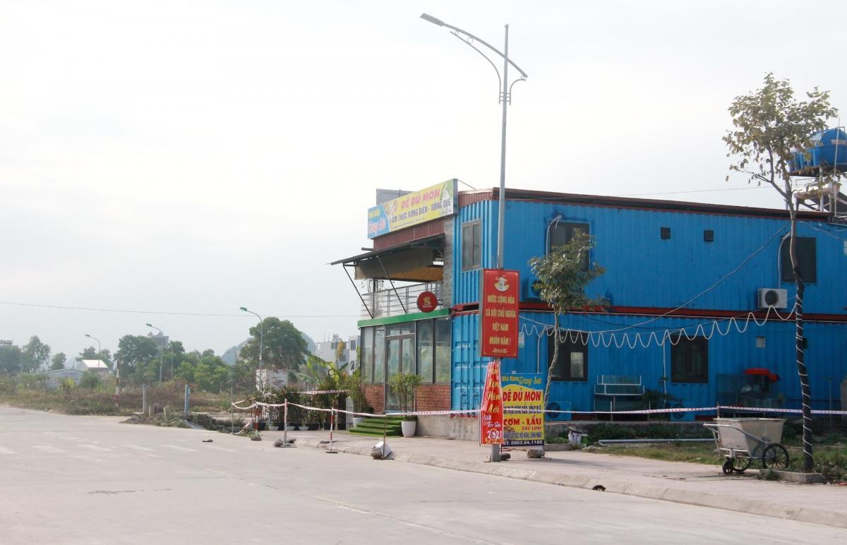 Giãn cách xã hội huyện Vân Đồn, phong tỏa tạm thời thị trấn Cái Rồng từ 12h trưa 30/1.