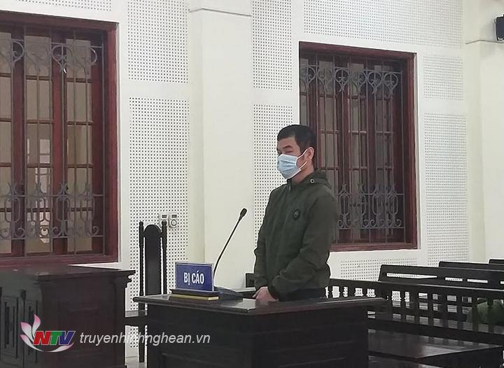 Bị cáo Trương Đức Thuận tại tòa.