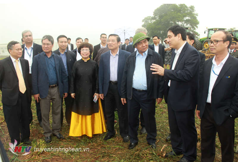 Thủ tướng Chính phủ Nguyễn Xuân Phúc và đoàn công tác thăm