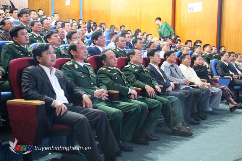 Các đại biểu tham dự chương trình giao lưu.