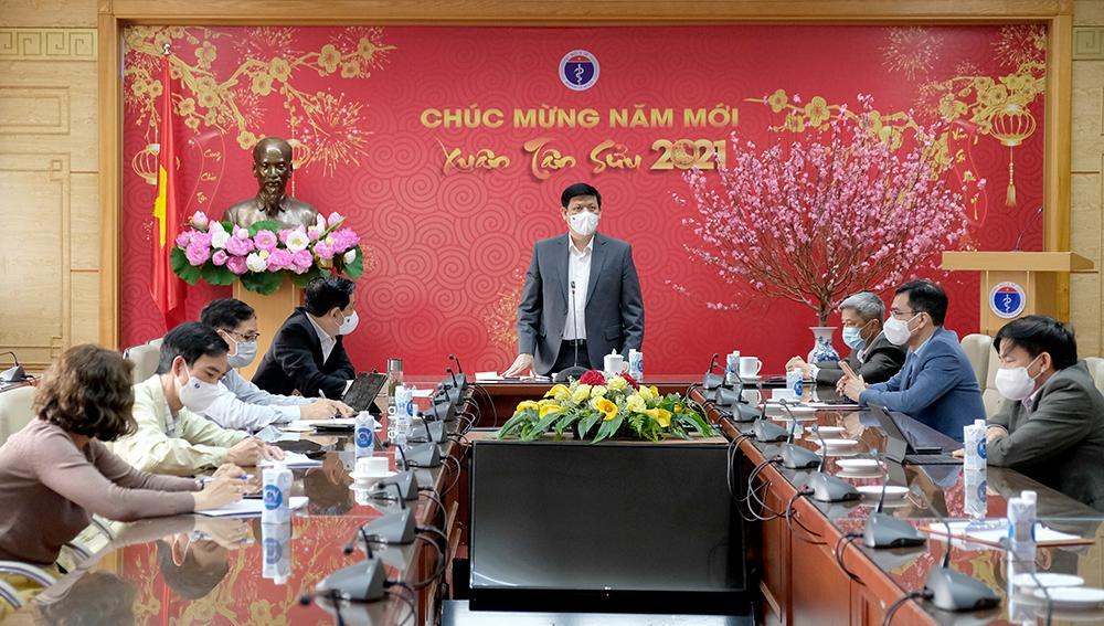 GS.TS Nguyễn Thanh Long- Bộ trưởng Bộ Y tế chủ tri cuộc họp từ đầu cầu Hà Nội