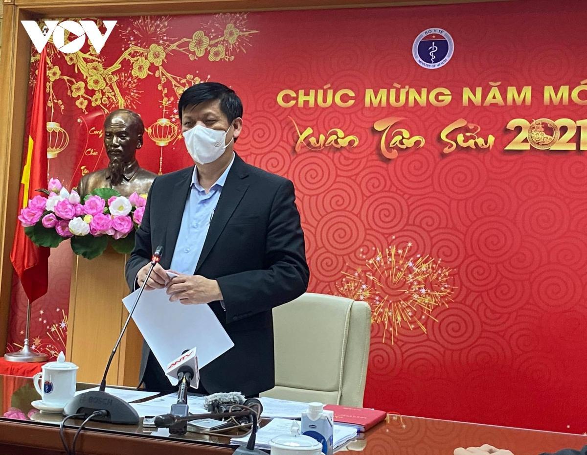 GS.TS Nguyễn Thanh Long, Bộ trưởng Bộ Y tế chủ trì cuộc họp.