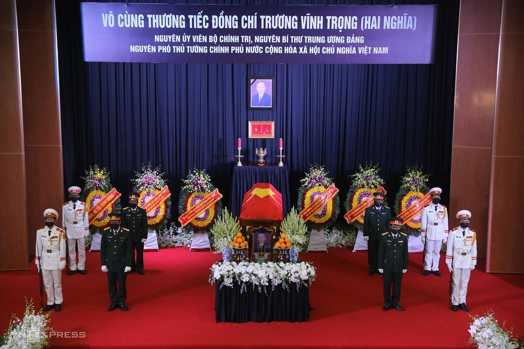Linh cữu nguyên Phó thủ tướng Trương Vĩnh Trọng tại hội trường lớn UBND tỉnh Bến Tre, ngày 21/2.