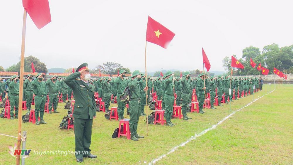 Quang cảnh lễ giao nhận quân huyện Tân Kỳ.