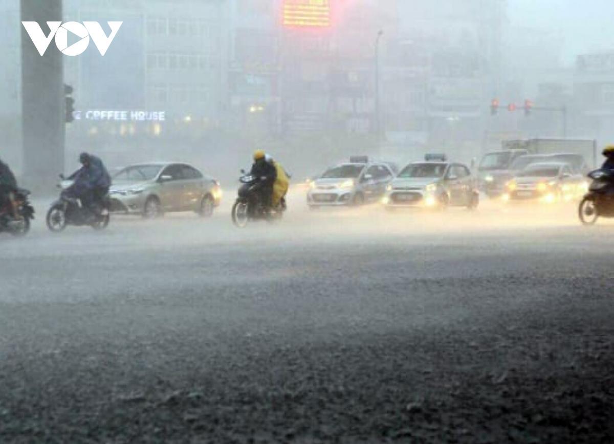 Từ ngày 8-9/2 (ngày 27 và 28 tháng Chạp) Bắc Bộ và Bắc Trung Bộ có thể xảy ra mưa to đến rất to, trong mưa dông có khả năng xảy ra lốc, sét, mưa đá và gió giật mạnh trên diện rộng.
