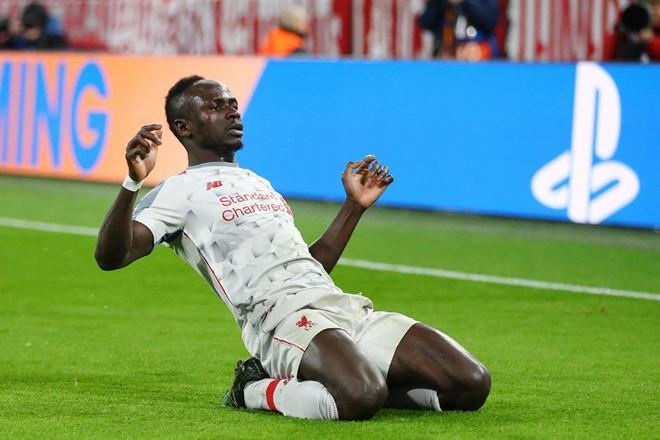 Sadio Mane là người hùng của Liverpool với một cú đúp bàn thắng đẳng cấp.