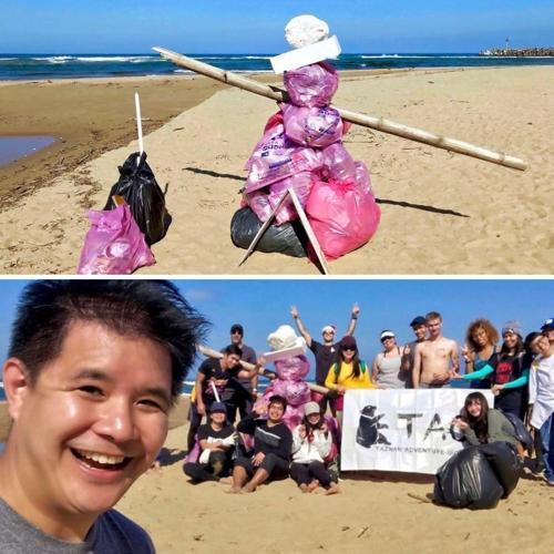 Bức ảnh #Trashtag của một nhóm thanh niên dọn dẹp bãi biển ở Đài Loan.