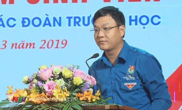 Đồng chí Phạm Tuấn Vinh - Uỷ viên BCH Trung ương Đoàn, Bí thư Tỉnh đoàn Nghệ An phát biểu tại chương trình.