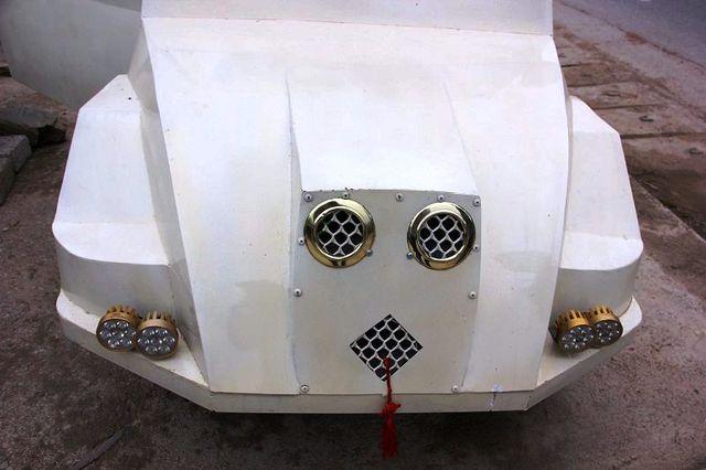Phần đầu chiếc ô tô trông khá lạ