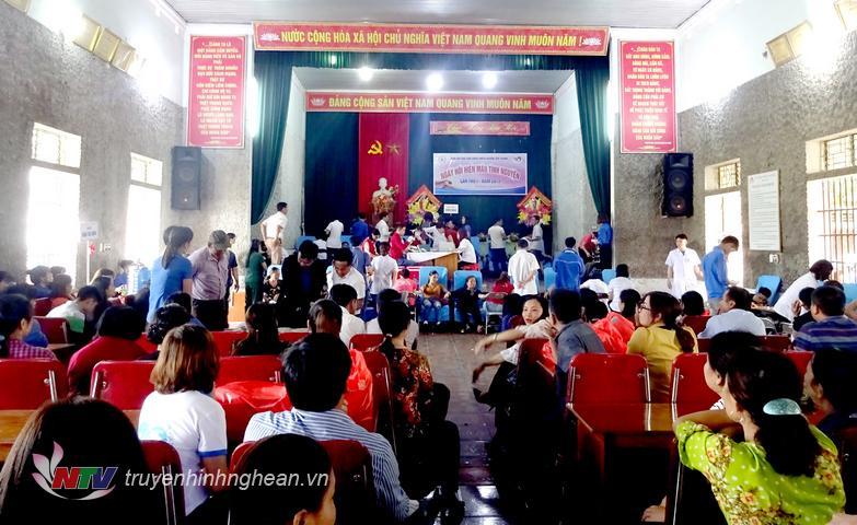 Gần 200 tình nguyện viên tham gia hiến máu đợt 1/2019 huyện Yên Thành.