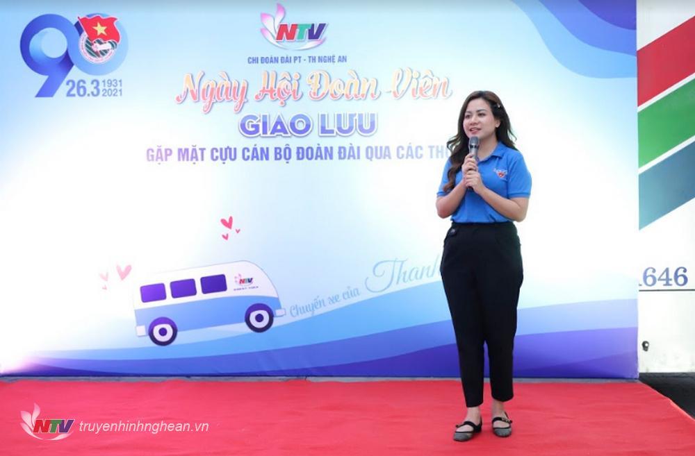 Bí thư Chi đoàn Đài PTTH Nghệ An Nguyễn Thu Hằng ôn lại kỷ niệm 90 năm