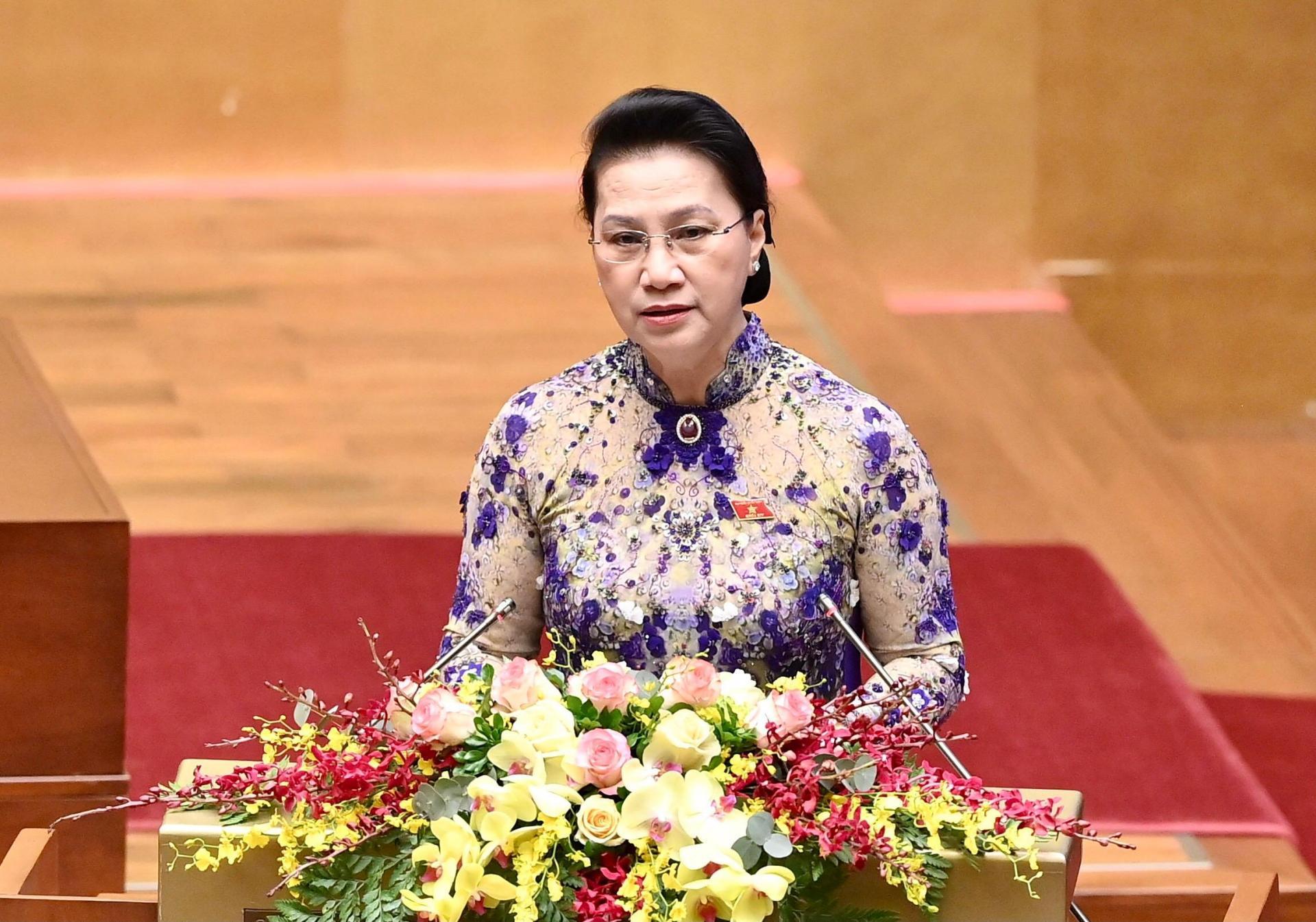 Chủ tịch Quốc hội Nguyễn Thị Kim Ngân trình bày Báo cáo công tác nhiệm kỳ khoá XIV của Quốc hội tại phiên khai mạc Kỳ họp lần thứ 11.