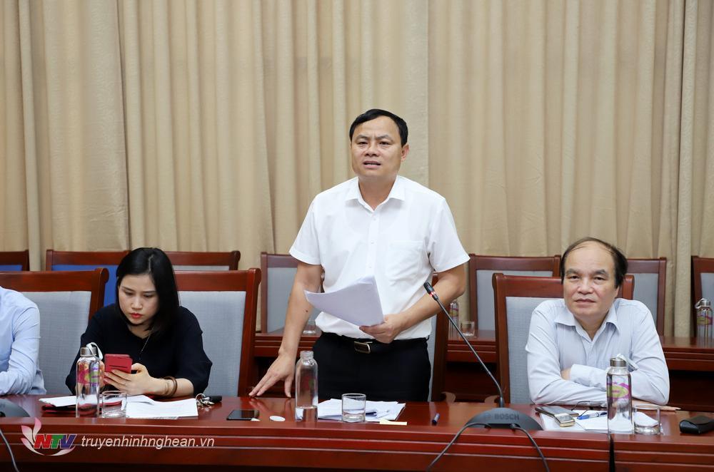 Đồng chí Phạm Ngọc Cảnh - Phó trưởng Ban Tuyên giáo Tỉnh uỷ phát biểu tại cuộc họp.