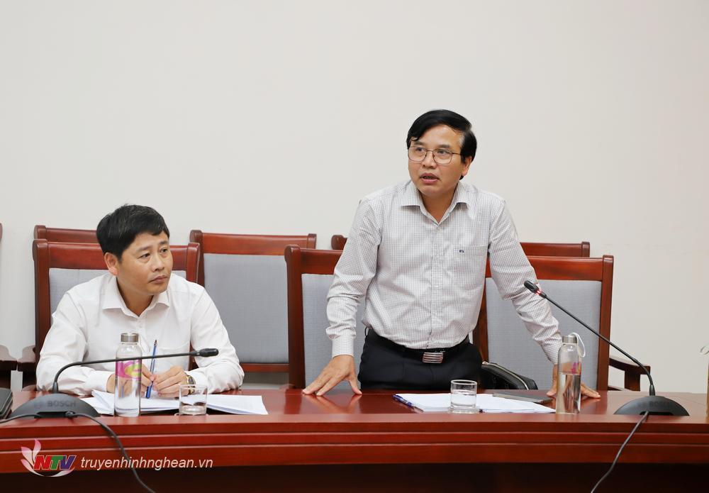 Đồng chí Nguyễn Như Khôi - Tỉnh uỷ viên, Giám đốc Đài PTTH Nghệ An phát biểu tại cuộc họp.