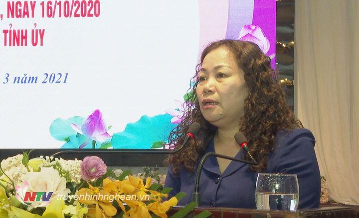 Trưởng Ban Tuyên giáo Tỉnh uỷ Nguyễn Thị Thu Hường phát biểu tại hội thảo.