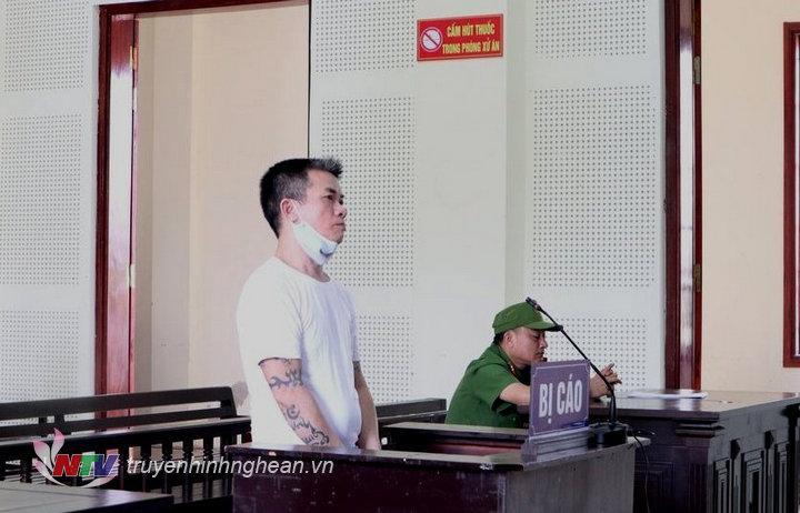 Bị cáo Nguyễn Khắc Trung tại tòa.