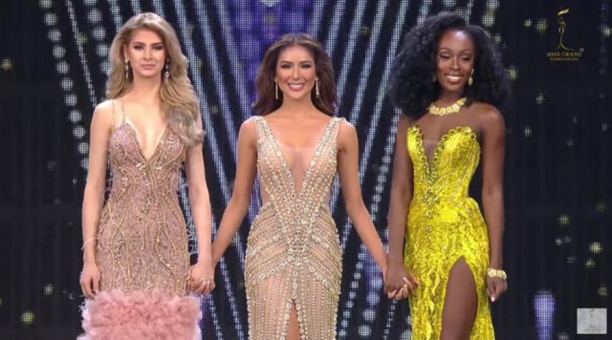 Top 3 Hoa hậu Hòa bình Thế giới (từ trái sang): Guatemala, Philippines và Mỹ.