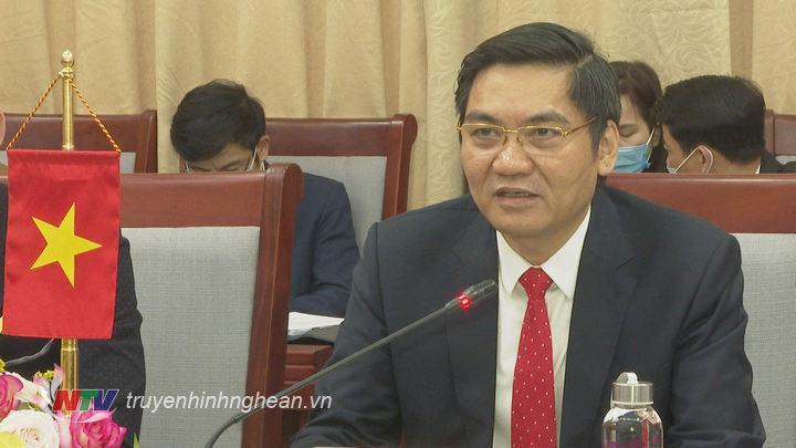 Phó Chủ tịch UBND tỉnh Hoàng Nghĩa Hiếu phát biểu tại buổi làm việc.