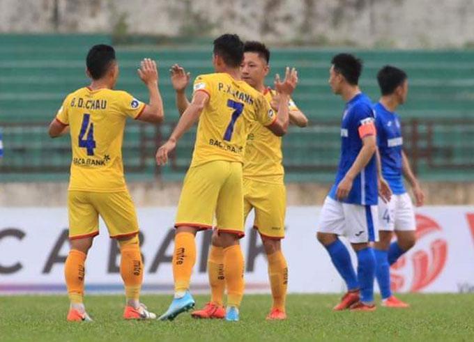 SLNA có chiến thắng đầu tiên tại V.League khi đánh bại Than Quảng Ninh ở vòng 4.