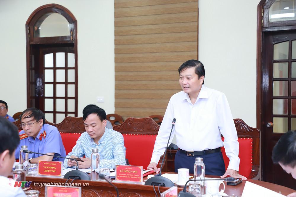 Phó Chủ tịch Thường trực UBND tỉnh Lê Hồng Vinh phát biểu tại cuộc giao banl