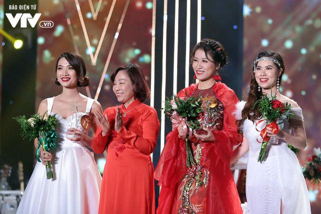 3 thí sinh Quỳnh Anh (nhạc Dân gian), Thanh Tâm (nhạc Nhẹ), Linh Chi (nhạc Thính phòng) giành ngôi vị Á quân Sao mai 2019