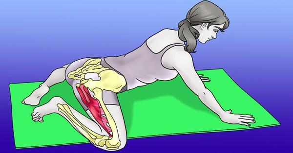 Động tác con ếch  Ngồi trên thảm với hai chân dưới mông và hai đầu gối rộng ra. Giữ chân trên mặt đất, nâng mông lên và đưa hai tay về phía trước, kéo người tiến dọc theo thảm càng xa càng tốt, cho đến khi bạn cảm thấy căng ở đùi. Giữ nguyên tư thế trong 2 phút.
