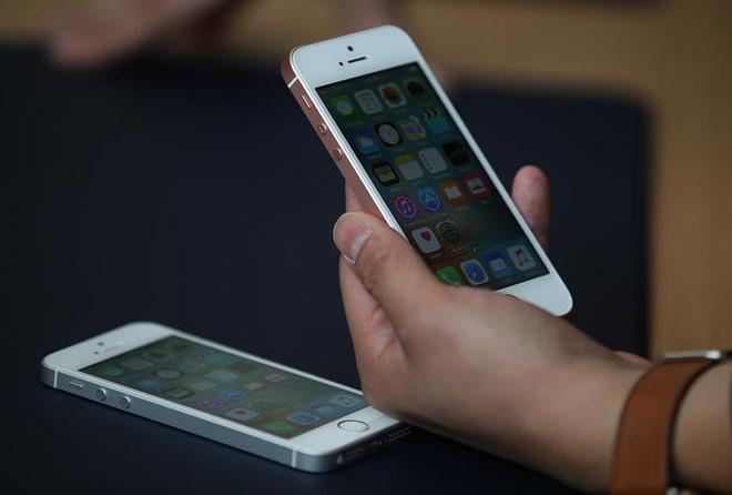 Lần thứ 2 Apple mở bán lại iPhone SE với giá chỉ từ 249 USD.