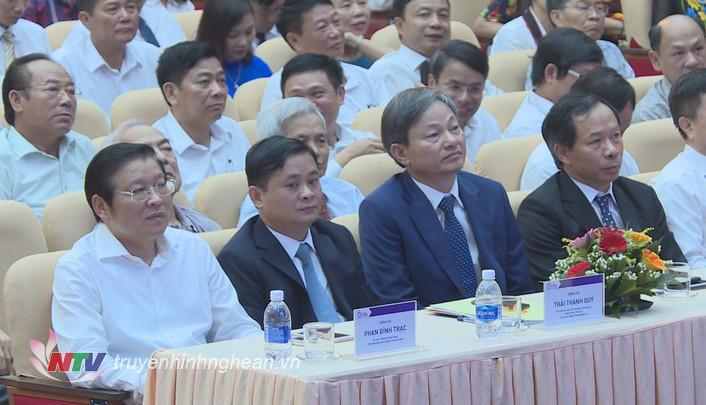 Các đại biểu dự lễ kỷ niệm.