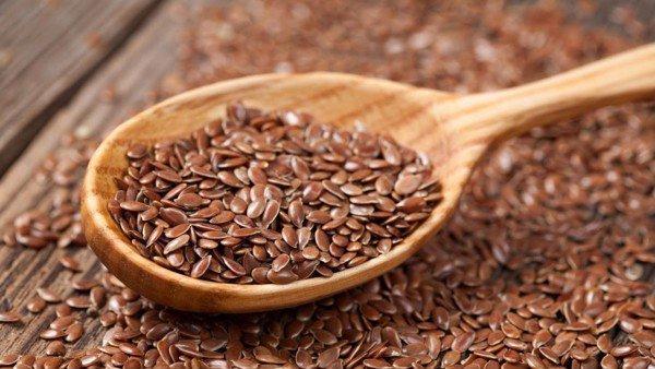   Hạt lanh: Hạt lanh có chứa chất xơ có thể giúp tiêu hóa. Uống nhiều nước khi tiêu thụ hạt lanh để giúp chống táo bón đạt hiệu quả.  