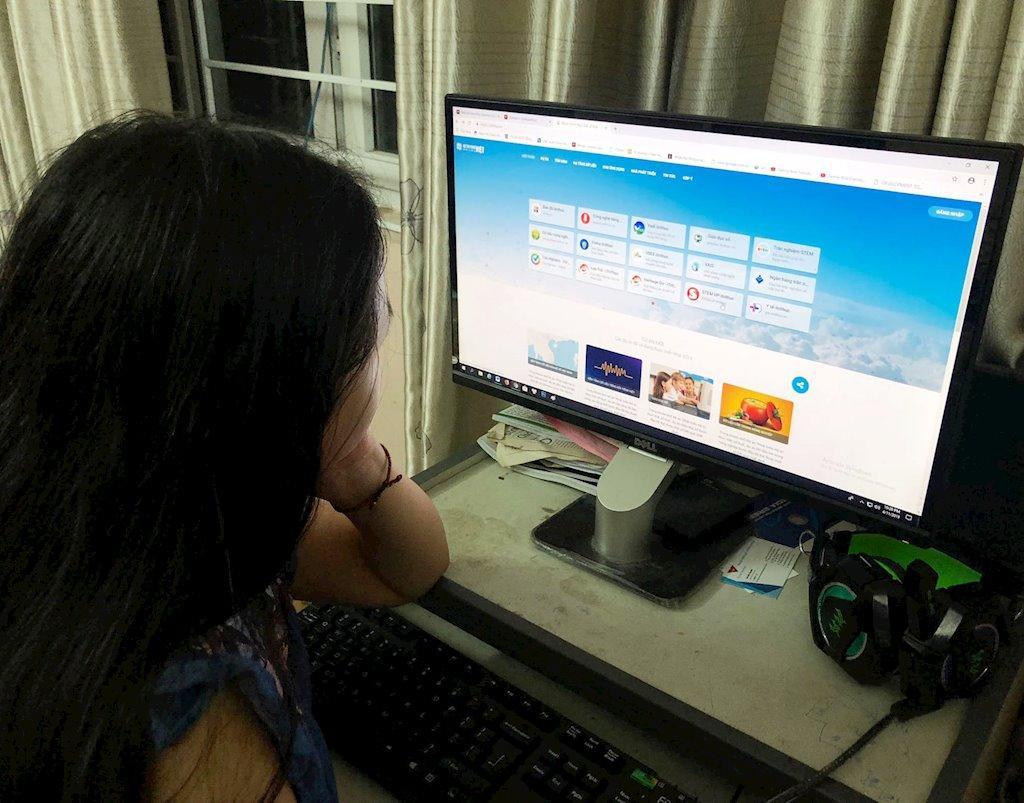 Một trong những dự án đang được triển khai trên Hệ tri thức Việt số hóa là dự án Giáo dục số với mục tiêu xây dựng một hệ sinh thái giáo dục trên Hệ tri thức Việt số hóa