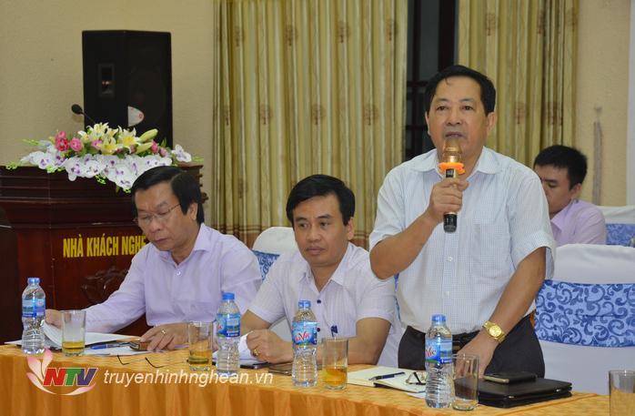 Ông Trần Duy Ngoãn - Chủ tịch Hội Nhà báo Nghệ An phát biểu tại buổi họp báo.