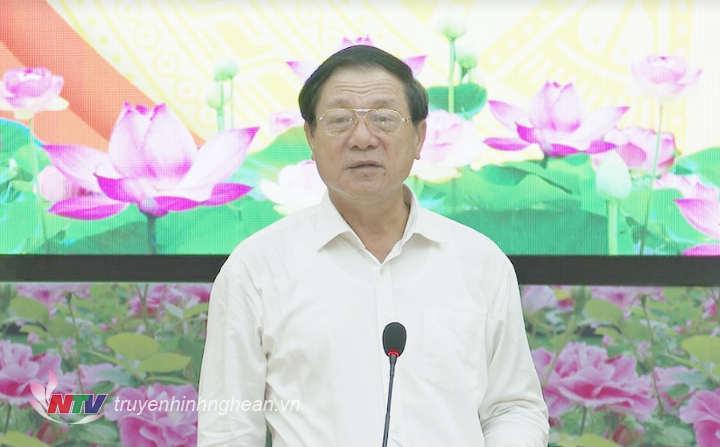 Phó Chủ tịch UBND tỉnh Lê Minh Thông phát biểu kết luận buổi họp báo.