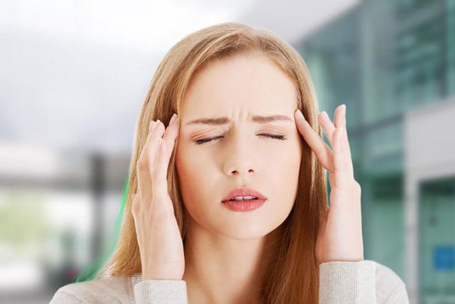 Nhức đầu: Kem hoặc kem đá khi bạn dùng có thể có tác dụng tương tự như nước đá lạnh. Điều này sẽ kích thích đột ngột các dây thần kinh và chúng ngay lập tức chuyển thông điệp đến não bộ, sau đó gây ra đau đầu.