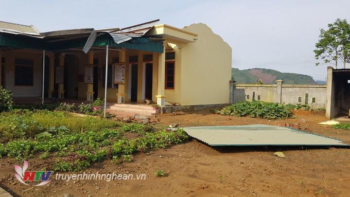 Lốc xoáy gây thiệt hại trên địa bàn xã biên giới Keng Đu, huyện Kỳ Sơn