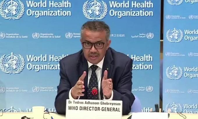 Tổng giám đốc Tổ chức Y tế Thế giới (WHO) Tedros Adhanom Ghebreyesus trong cuộc họp báo tại Geneva hôm 27/4. Ảnh: CNN