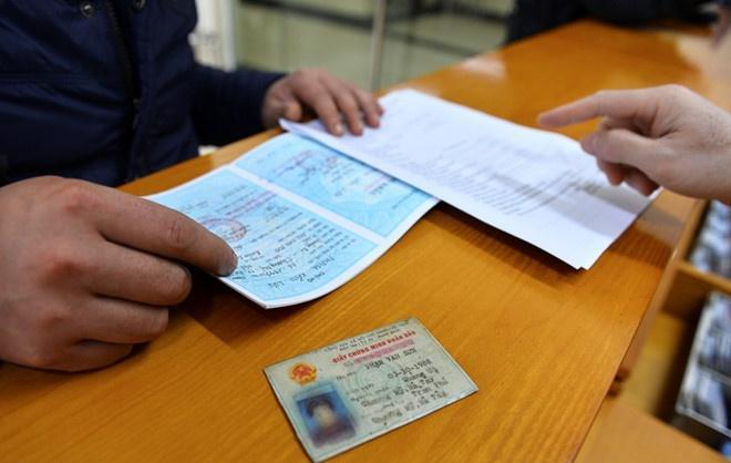 Thay quản lý bằng hộ khẩu, người dân không cần mang giấy tờ khi làm thủ tục hành chính.