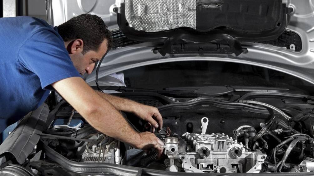 Việc vệ sinh ô tô sẽ phát hiện và sớm xử lý được tình trạng chuột trên xe