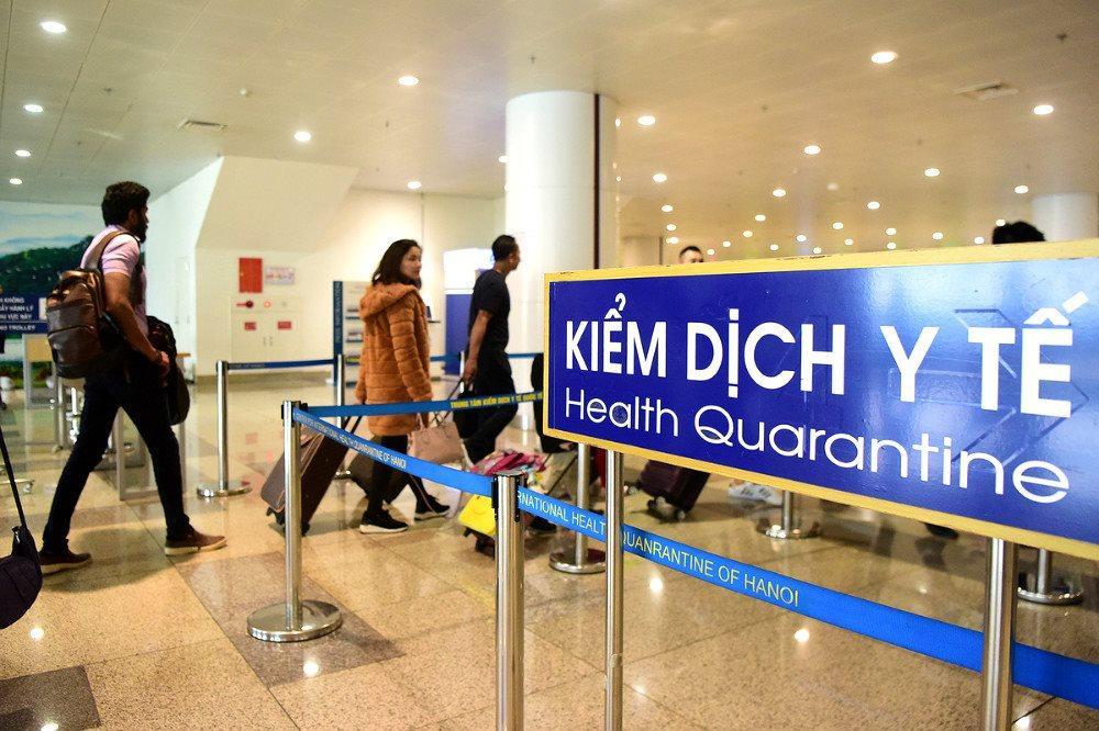 Bộ GD&ĐT khuyến cáo lưu học sinh cần thận trọng về các chuyến bay trong thời gian này. Ảnh: ICD