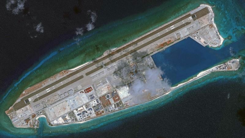 Đá Chữ Thập bị Trung Quốc bồi đắp trái phép thành đảo nhân tạo.