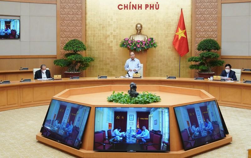 Thủ tướng Nguyễn Xuân Phúc Nguyễn Xuân Phúc chủ trì họp Thường trực Chính phủ về phòng, chống Covid-19.