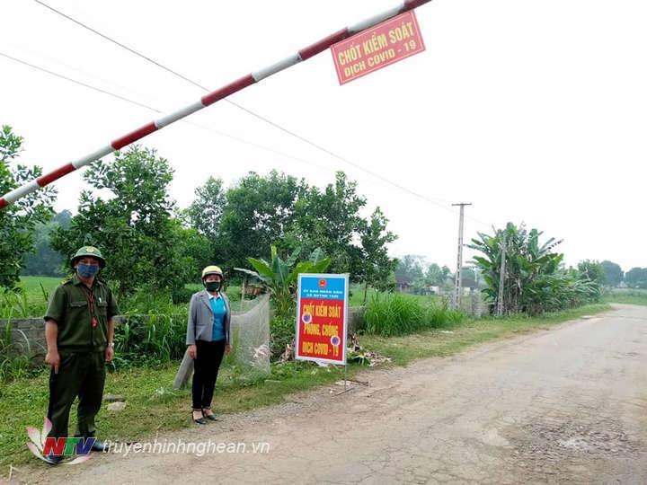 Đến thời điểm này, huyện Quỳnh Lưu đã có hơn 100 chốt kiểm soát phòng chống dịch Covid - 19.