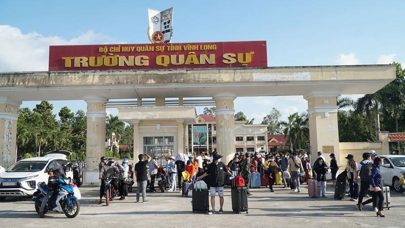 Trường quân sự tỉnh Vĩnh Long nơi cách ly người từ nước ngoài về.