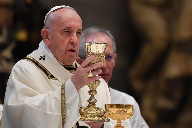Giáo hoàng Francis cử hành thánh lễ Phục sinh qua livestream tại Vương cung thánh đường Thánh Peter ở Vatican ngày 12/4/2020.
