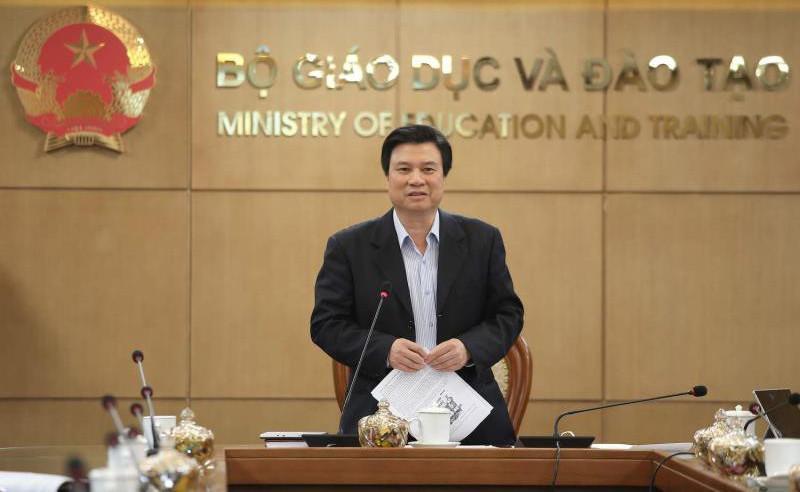 Thứ trưởng Bộ GD-ĐT Nguyễn Hữu Độ phát biểu tại cuộc giao ban trực tuyến.