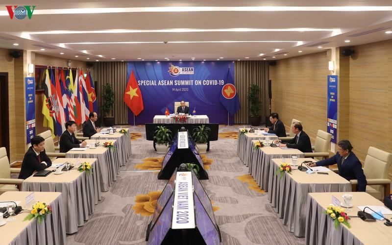 Thủ tướng Nguyễn Xuân Phúc chủ trì Hội nghị Cấp cao đặc biệt ASEAN.