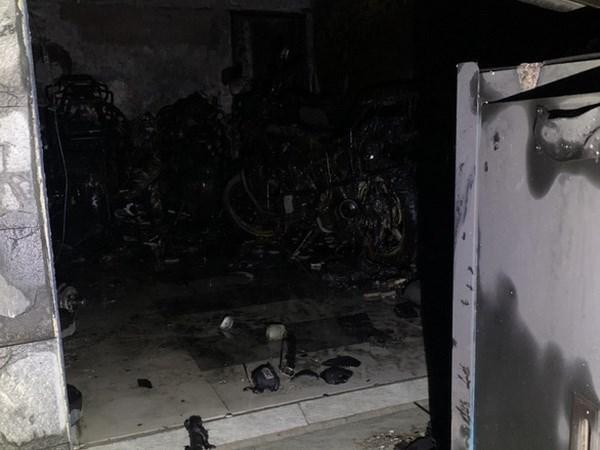 Nhiều vật dụng trong nhà bị cháy đen. (Nguồn: tuoitre)