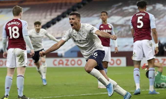 Rodrigo ghi bàn quyết định cho Man City. Ảnh:Reuters