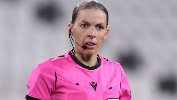 Nữ trọng tài Stephanie Frappart. (Nguồn: skysports.com)
